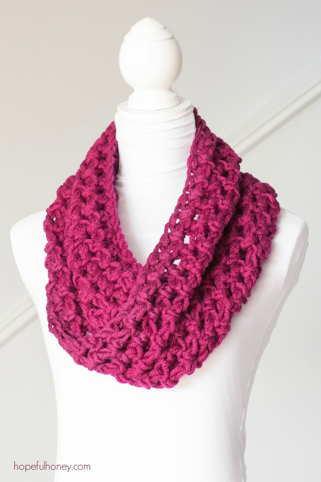 15 Easy Chunky Crochet Cowls To Keep You Cozy And Warm Dabbles Babbles