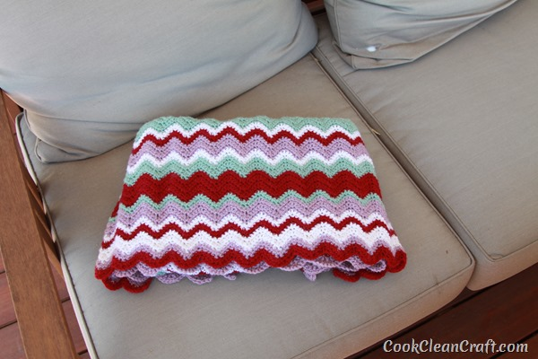 15 Easy Ripple Crochet Blanket Patterns Dabbles Babbles