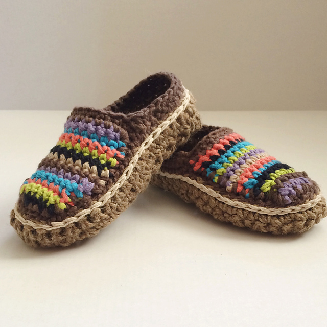 15 Free Crochet Moccasin Patterns Dabbles Babbles