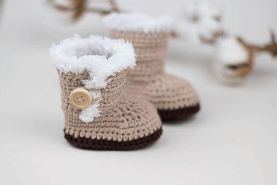 11 Ugg Inspired Crochet Patterns Dabbles Babbles