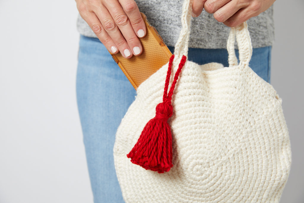 Round Crochet Bag with Tassel Pattern