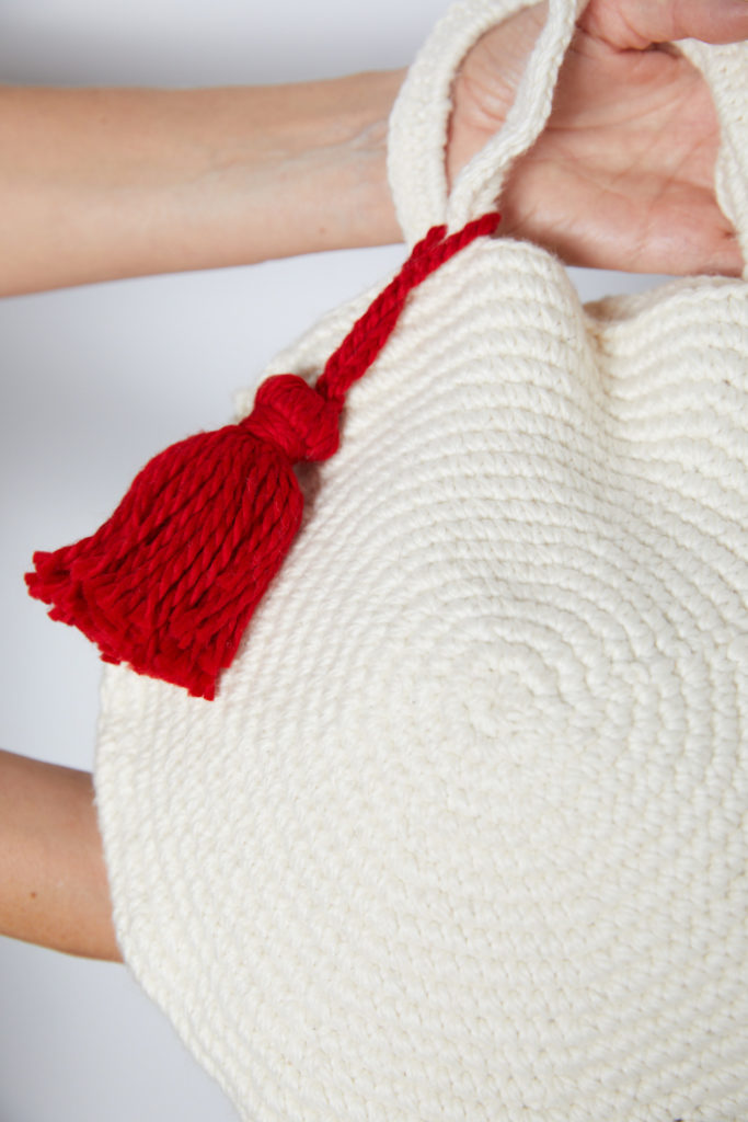 Round Crochet Bag with Tassel Pattern