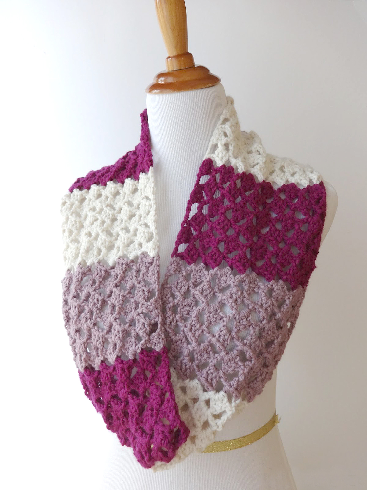 19 Stylish And Easy Crochet Scarf Patterns Dabbles Babbles