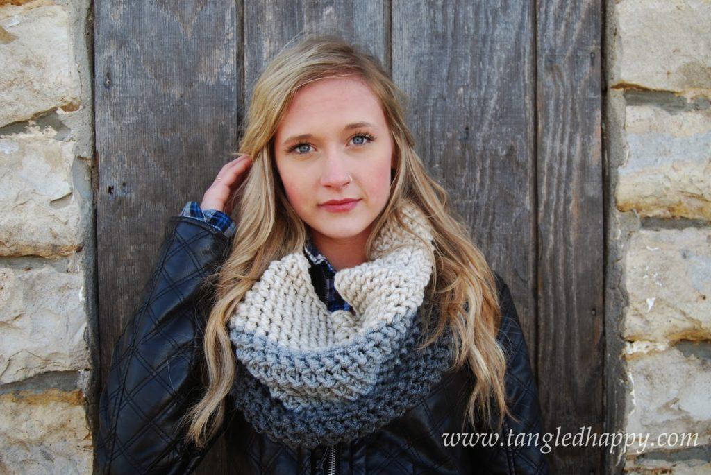 Chunky Color Block Cowl - 19 Easy Winter Crochet Cowls to Keep You Warm - here's a list of the coziest, stylish crochet cowls and infinity scarf crochet patterns to wear this season. #crochetcowl #crochetpattern #crochetinfinityscarf #cozycrochet