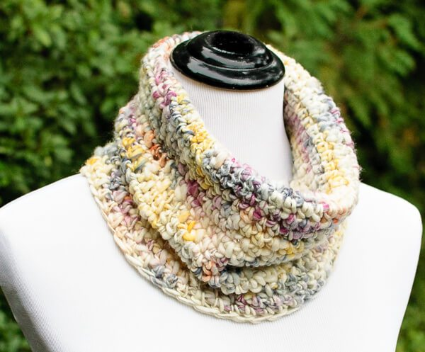 Chunky Crochet Cowl - 19 Easy Winter Crochet Cowls to Keep You Warm - here's a list of the coziest, stylish crochet cowls and infinity scarf crochet patterns to wear this season. #crochetcowl #crochetpattern #crochetinfinityscarf #cozycrochet