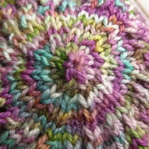 Crochet vs Knitting - Dabbles & Babbles