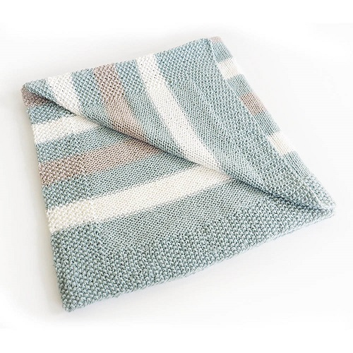 If you don't know how to knit a baby blanket, give this knitting pattern a try. You'll have fun and learn a lot of valuable skills on the way. #BabyBlanket #KnitBlanketPattern #KnittingPattern #BabyBlanketKnittingPattern