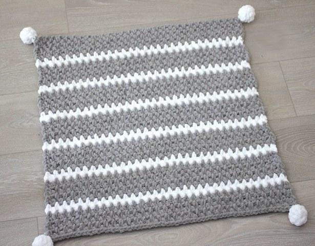 20 Moss Stitch Crochet Patterns - Dabbles & Babbles