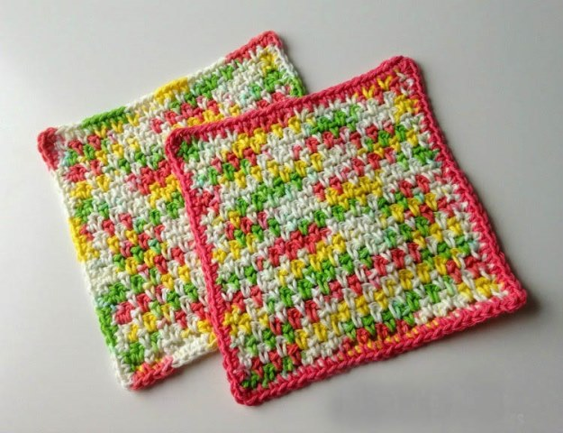 Favorite Moss Stitch Dishcloths - Test out your knowledge of the moss stitch with these crochet patterns. These crochet stitch patterns are unique and colorful, and worthy of your time. #crochetstitches #crocheting #mossstitch #learntocrochet