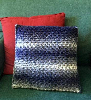 Moss Stitch Crochet Pillow - Test out your knowledge of the moss stitch with these crochet patterns. These crochet stitch patterns are unique and colorful, and worthy of your time. #crochetstitches #crocheting #mossstitch #learntocrochet