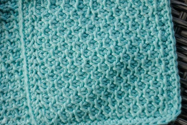 Tunisian Honeycomb Stitch - Tunisian crochet bridges the gap between crochet and knitting. You should test it out with this list of Tunisian crochet stitches we've put together. #TunisianCrochet #TunisianCrochetStitches #CrochetForBeginners
