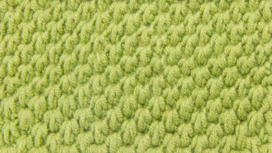 Tunisian Ocean Stitch - Tunisian crochet bridges the gap between crochet and knitting. You should test it out with this list of Tunisian crochet stitches we've put together. #TunisianCrochet #TunisianCrochetStitches #CrochetForBeginners