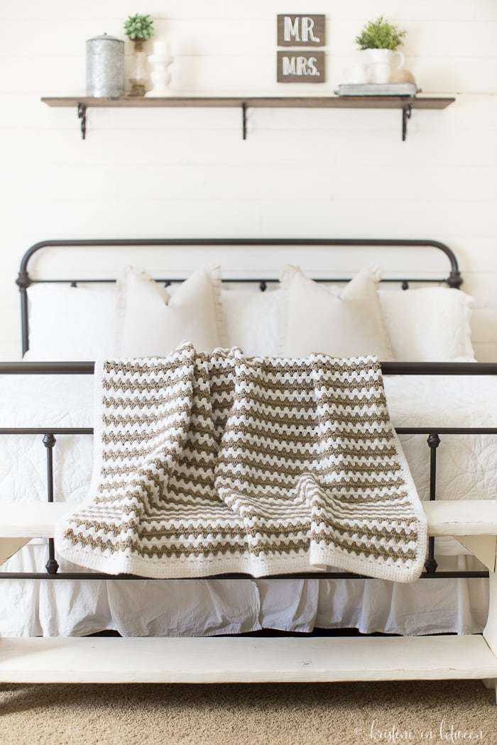 Simple Granny Stripe Afghan - One of the most challenging parts about crochet is finding the right crochet pattern. This list of free crochet patterns will guide you in the right direction. #CrochetPattern #CrochetAddict #FreeCrochetPatterns