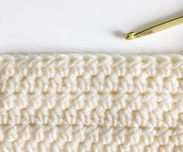 Half Double Crochet Stitch - These different basic crochet stitches are the fundamentals to becoming an inventive crocheter. You could use these crochet stitches for blankets or a multitude of other projects. #SingleCrochetStitch #TunisianCrochet #BasicCrrochetStitches