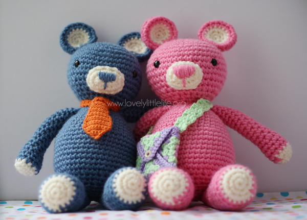 Bertie & Beatrix Bear - These free amigurumi patterns and crochet toys are so fun, it will make you want to be a kid again. These cute patterns are imaginative and sweet. #AmigurumiPatterns #CrochetPatterns #FreeCrochetPatterns