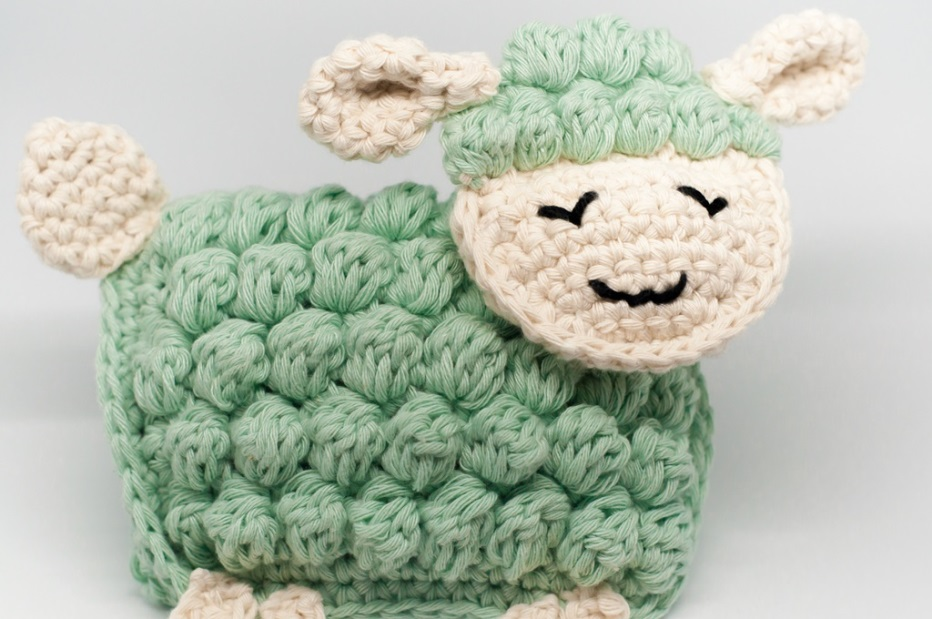 Ragdoll Lamb - These free amigurumi patterns and crochet toys are so fun, it will make you want to be a kid again. These cute patterns are imaginative and sweet. #AmigurumiPatterns #CrochetPatterns #FreeCrochetPatterns