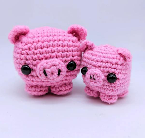 Cube Piggy Pig Amigurumi - These free amigurumi patterns and crochet toys are so fun, it will make you want to be a kid again. These cute patterns are imaginative and sweet. #AmigurumiPatterns #CrochetPatterns #FreeCrochetPatterns