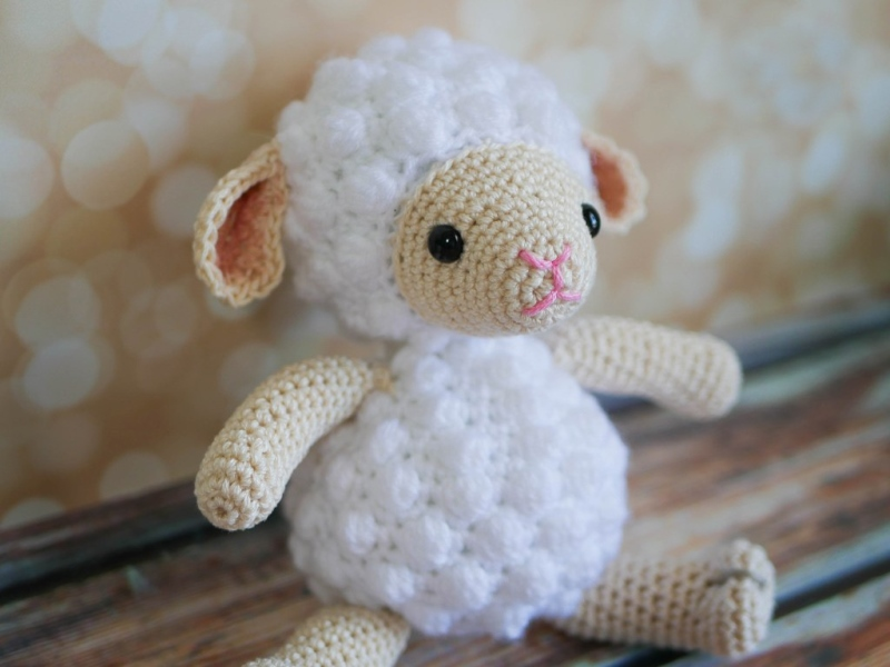 Little Crochet Lamb - These free amigurumi patterns and crochet toys are so fun, it will make you want to be a kid again. These cute patterns are imaginative and sweet. #AmigurumiPatterns #CrochetPatterns #FreeCrochetPatterns