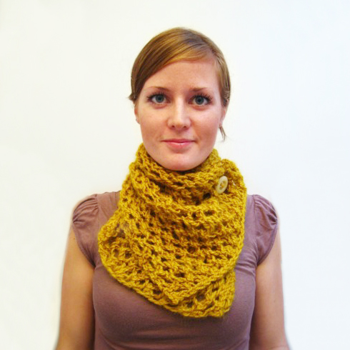 Mustard Scarf - We've gathered here 21 cozy scarf knitting patterns that you can knit quickly, just in time for fall and impending winter. #ScarfKnittingPatterns #KnittingPatterns #ScarfPatterns