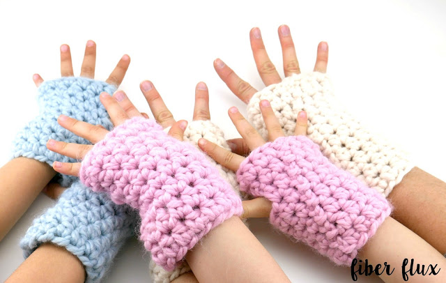 Chunky Mitts for Everyone - This list of 20 easy fingerless gloves crochet patterns is suitable for everyone, including males, females, adults, and children. #FingerlessGlovesCrochetPatterns #CrochetFingerlessGloves #CrochetPatterns