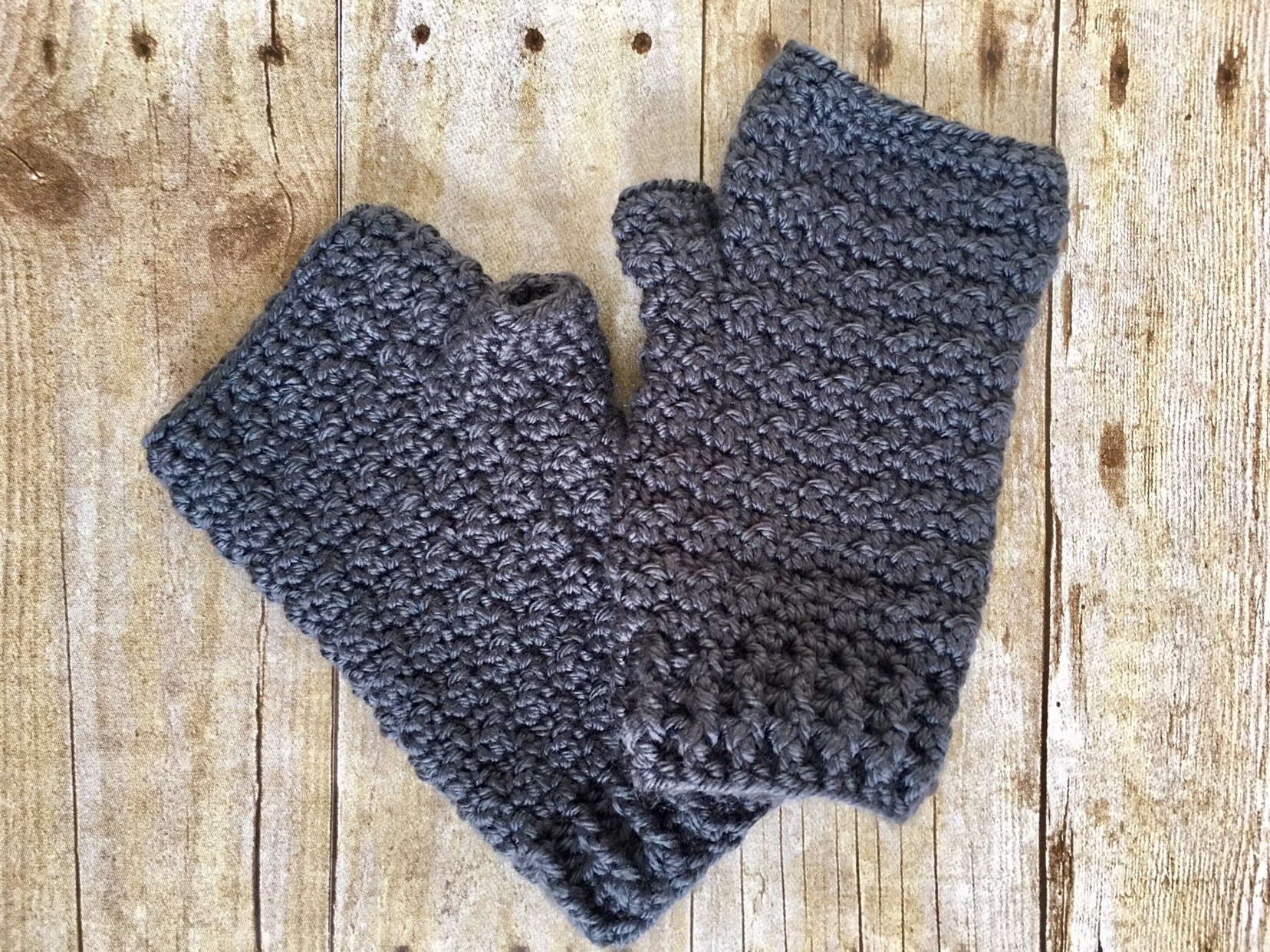 Lemon Peel Fingerless Gloves - This list of 20 easy fingerless gloves crochet patterns is suitable for everyone, including males, females, adults, and children. #FingerlessGlovesCrochetPatterns #CrochetFingerlessGloves #CrochetPatterns