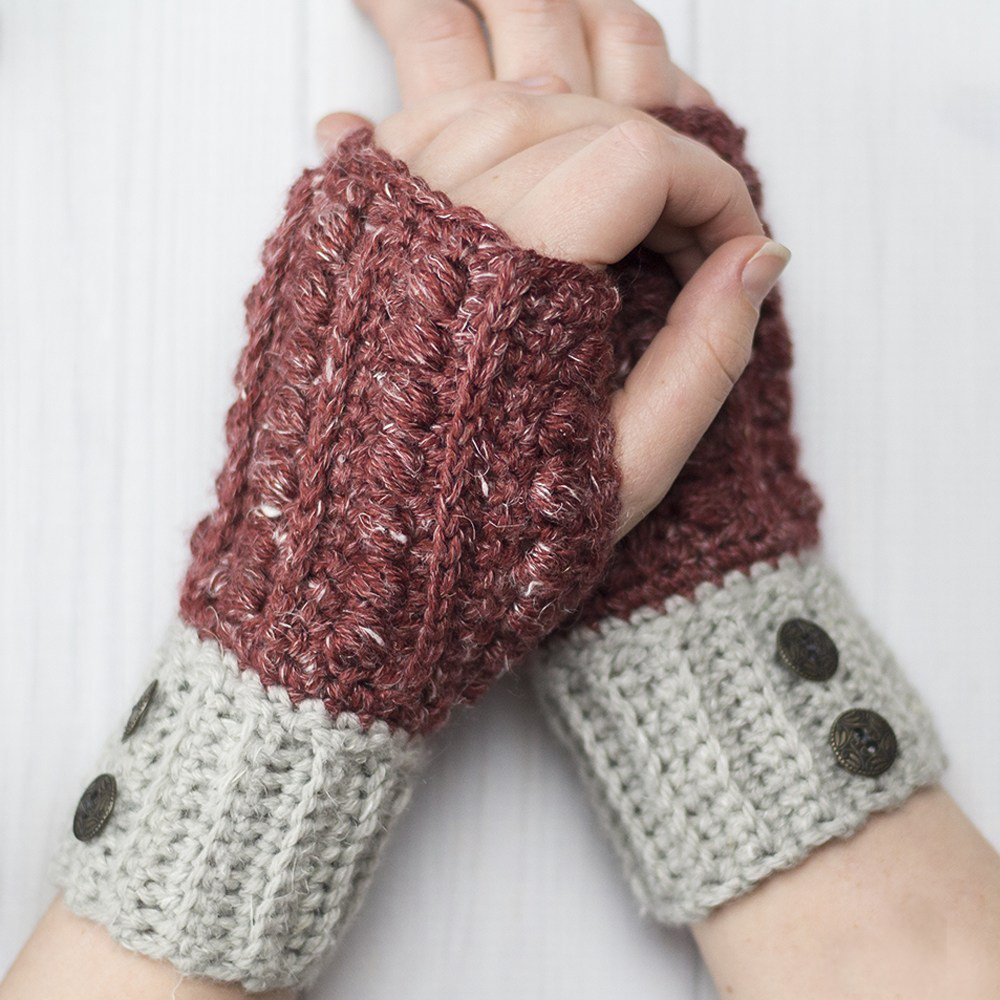 The Malia Wrist Warmers - This list of 20 easy fingerless gloves crochet patterns is suitable for everyone, including males, females, adults, and children. #FingerlessGlovesCrochetPatterns #CrochetFingerlessGloves #CrochetPatterns
