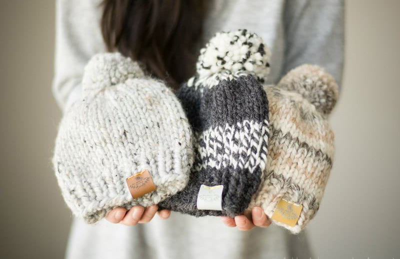 Basic Knitted Baby Hat - From casual to designer styled hats, these free knit hat patterns on circular needles are sure to be your new favorite projects to work on! #freeknithatpatterns #knithatpatterns #knitpatterns