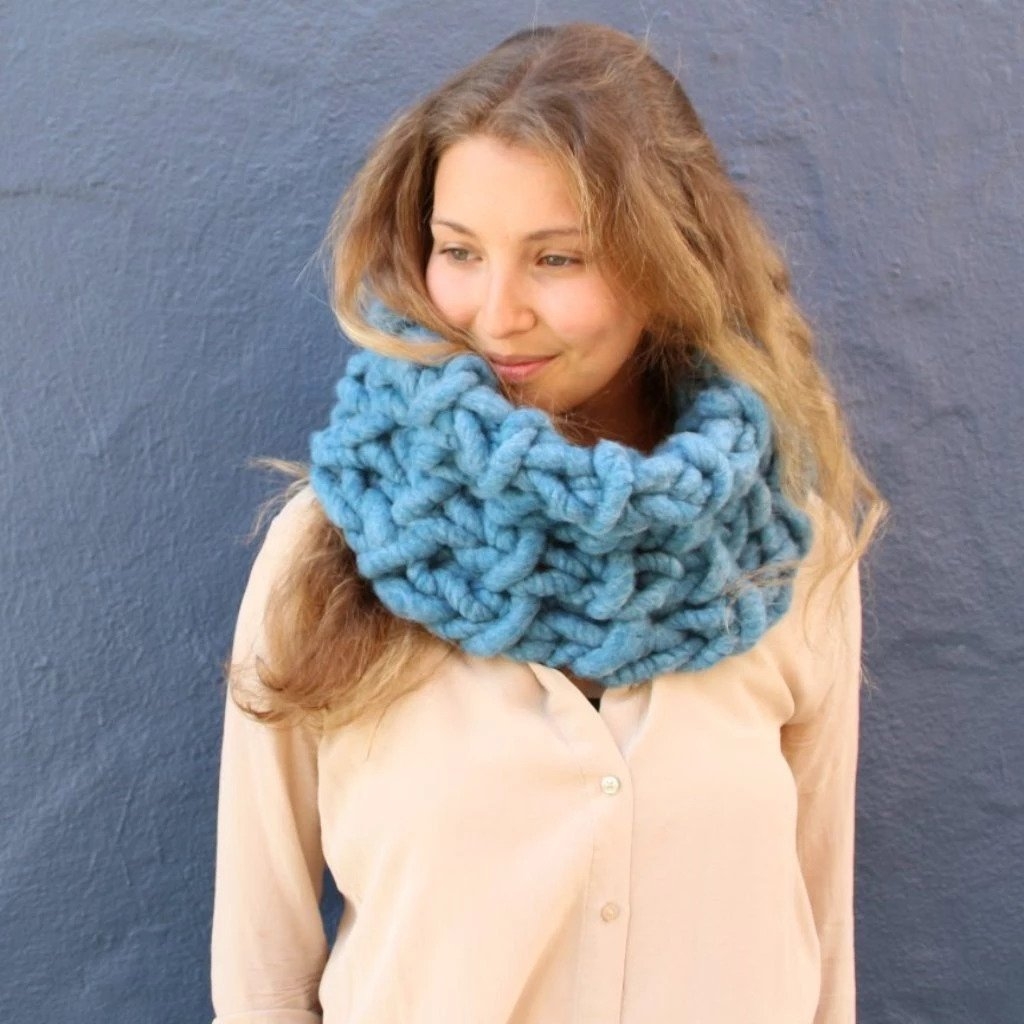 Lola Cowl - If you're looking for something simple, easy and fun to make for gifting, these cowl knitting patterns are perfect to do just that. #cowlknittingpatterns #knittingpatterns #wintercowlknittingpatterns