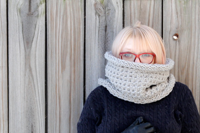 Long John Cowl - If you're looking for something simple, easy and fun to make for gifting, these cowl knitting patterns are perfect to do just that. #cowlknittingpatterns #knittingpatterns #wintercowlknittingpatterns