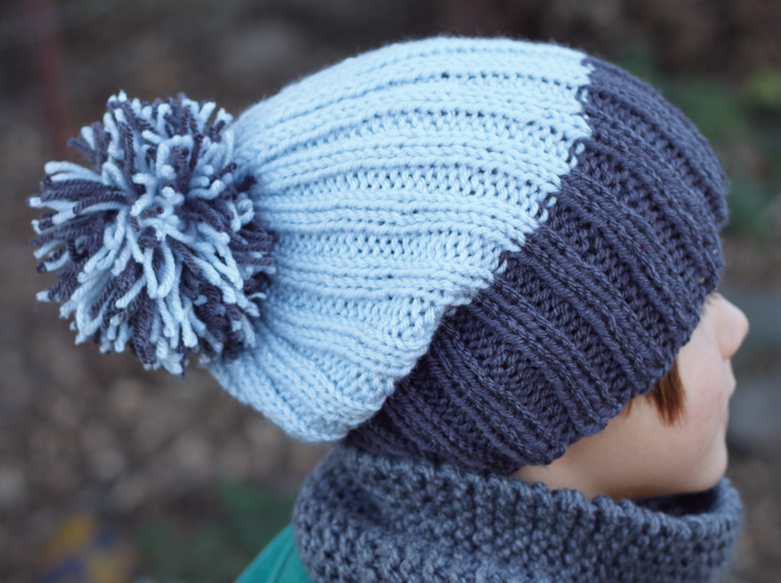 Simple Knit Ribbed Hat Pattern - From casual to designer styled hats, these free knit hat patterns on circular needles are sure to be your new favorite projects to work on! #freeknithatpatterns #knithatpatterns #knitpatterns