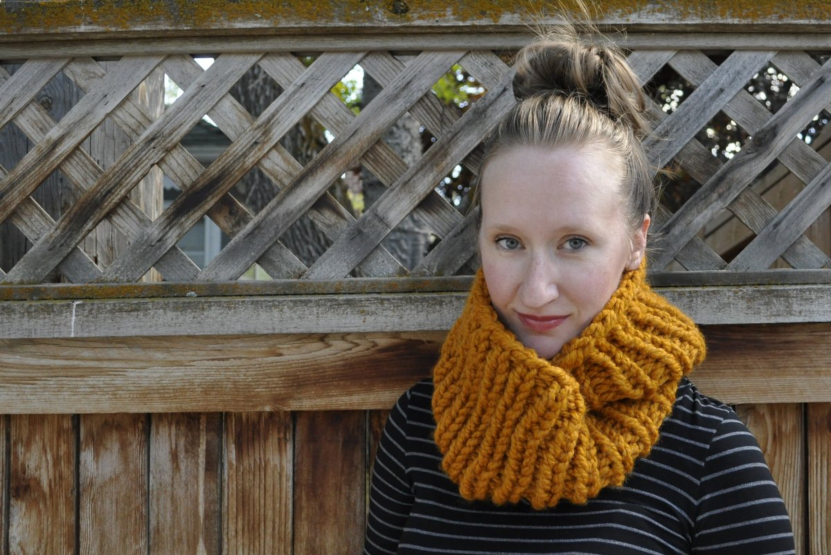 Two-Hour Cowl - If you're looking for something simple, easy and fun to make for gifting, these cowl knitting patterns are perfect to do just that. #cowlknittingpatterns #knittingpatterns #wintercowlknittingpatterns